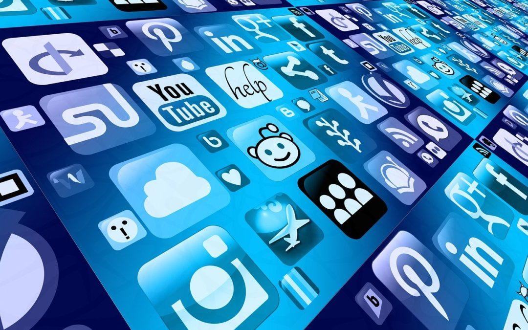 publication privées Facebook, réseaux sociaux, licenciement, respect de la vie privée, obligation de confidentialité, contrat de travail, CPH, avocat, salarié